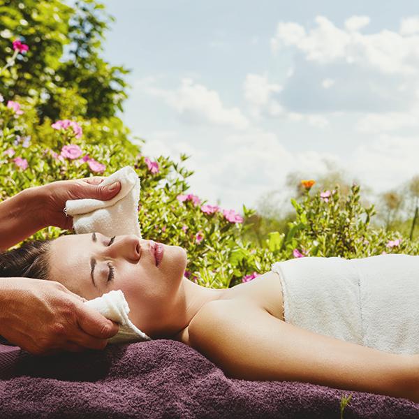 Massage Cocon de soi aux linges chauds